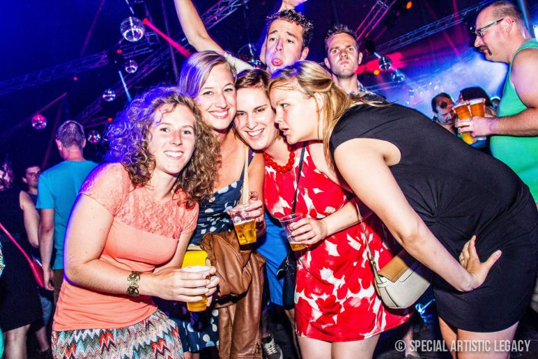 Fotos-30-Plus-Party-editie-2014-Wish-We-Were-Younger-145