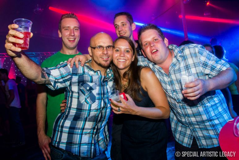Fotos-30-Plus-Party-editie-2014-Wish-We-Were-Younger-18